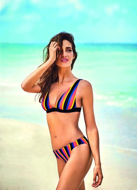 33f3404a444e Los bañadores y bikinis de Sara Carbonero con los que Calzedonia arrasa