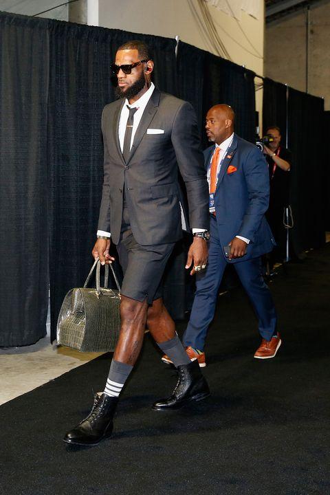 I calzini giusti dell autunno 2018 sono quelli sportivi di LeBron James e27f19c48090