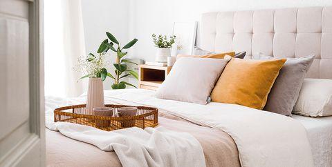 Dormitorio en tonos beige