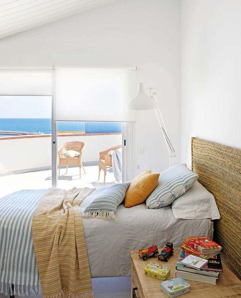 Dormitorio de verano con terraza