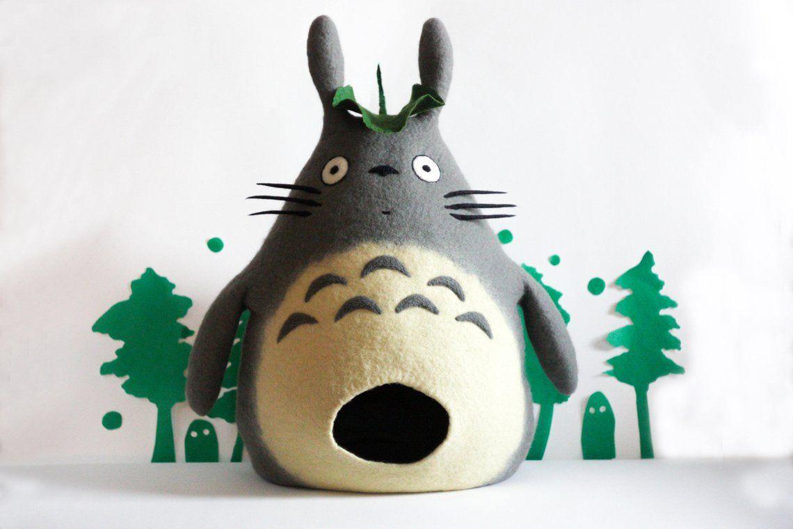Cama para gato con forma de conejo