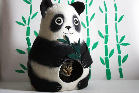 Cama para gato con forma de oso panda