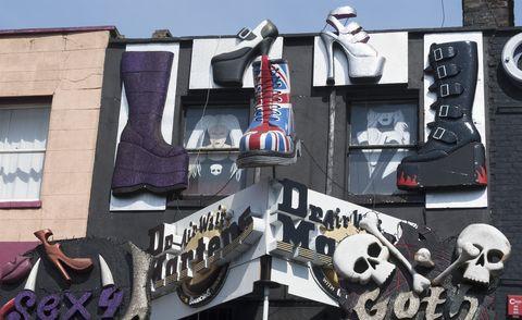 倫敦康登鎮的馬丁鞋店鋪