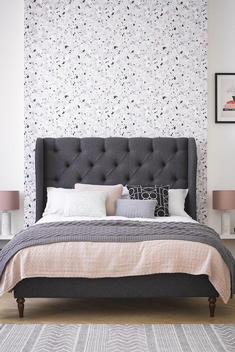 Bedroom feature wall - Instagrammable bedrooms