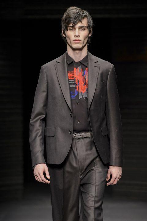 Suit, Clothing, Formal wear, Fashion, Tuxedo, Blazer, Hairstyle, Human, Outerwear, Fashion show,