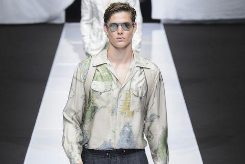 pretty nice 92bef dd292 Le camicie da uomo della primavera 2019 seguono soltanto una ...