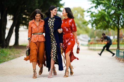 Street Style: Paris Fashion Week - Womenswear Printemps Été 2020
