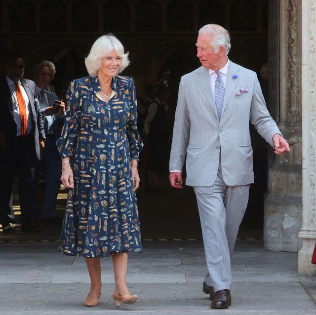 el príncipe de gales y la duquesa de cornwall visitan devon y cornwall el primer día