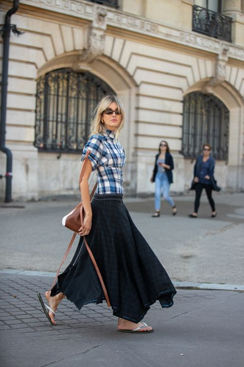 Street Style : Paris Fashion Week Womenswear Spring/Summer 2019 : Day Two