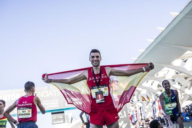 el atleta camilo santiago en la maratón de valencia 2019