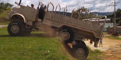 camión mercedes 6x6 suspensión boomerang 'mamute'