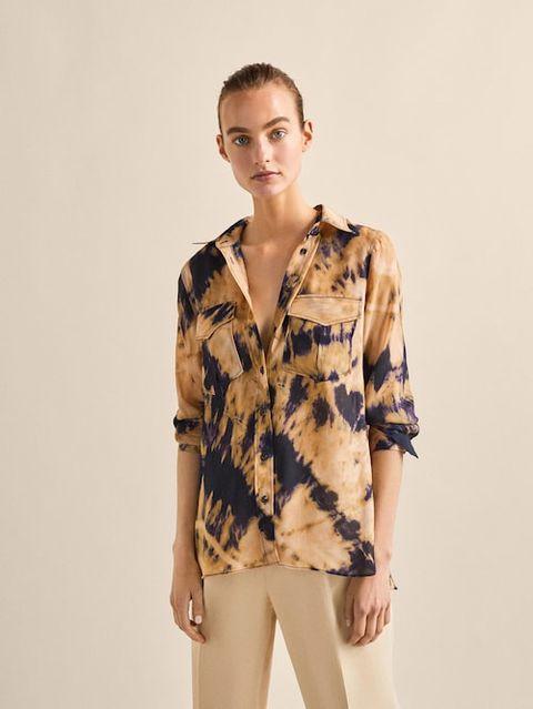 Clothing, Sleeve, Neck, Outerwear, Fashion, Blouse, Beige, Shoulder, Top, Fashion model,