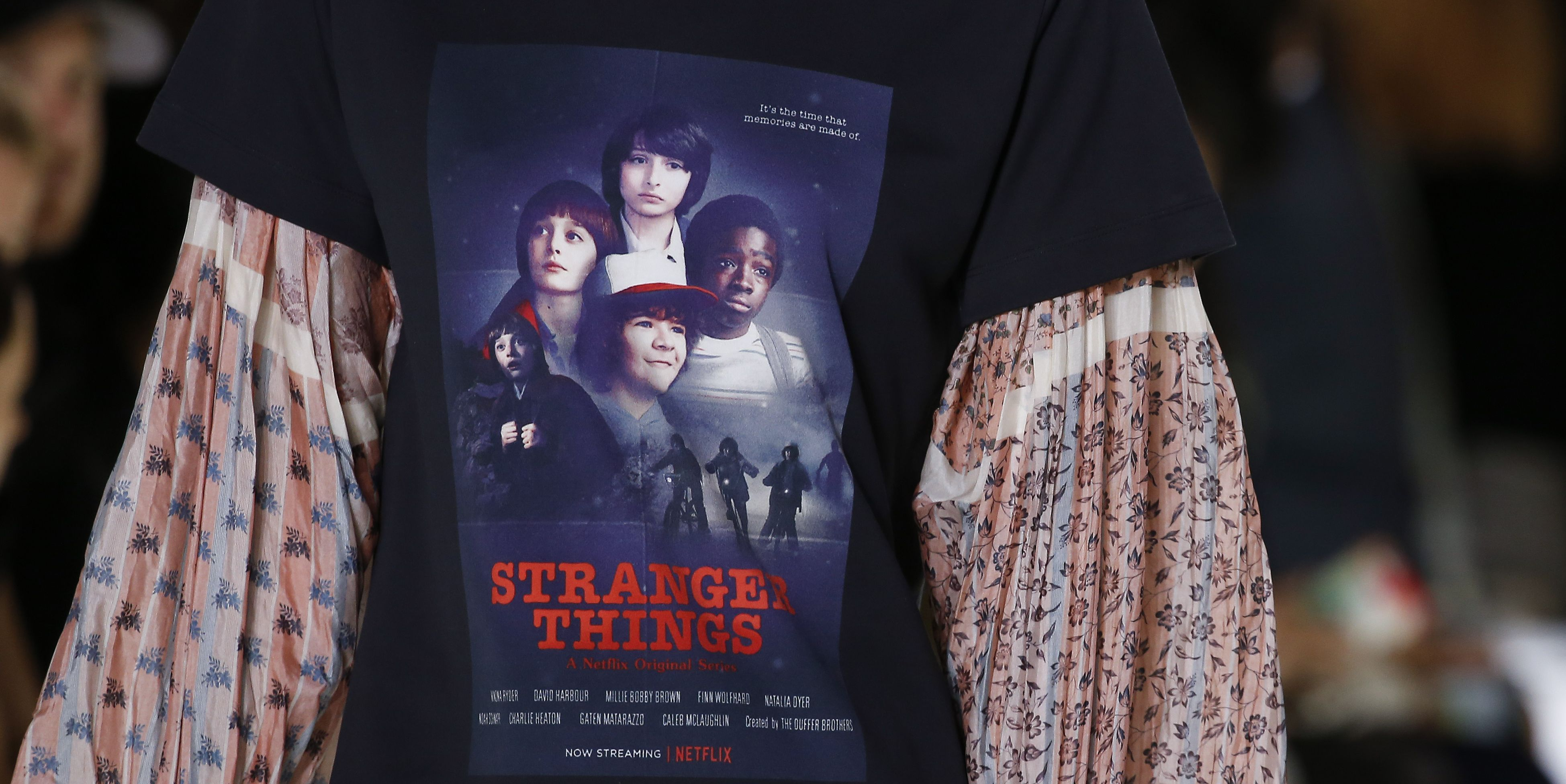 louis vuitton, camiseta, stranger things, netflix, serie, camiseta stranger things, louis vuitton stranger things, t-shirt, camiseta serie, camiseta merchandising, serie netflix