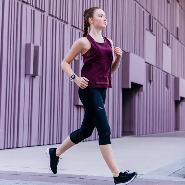 camiseta de mujer para correr de decathlon