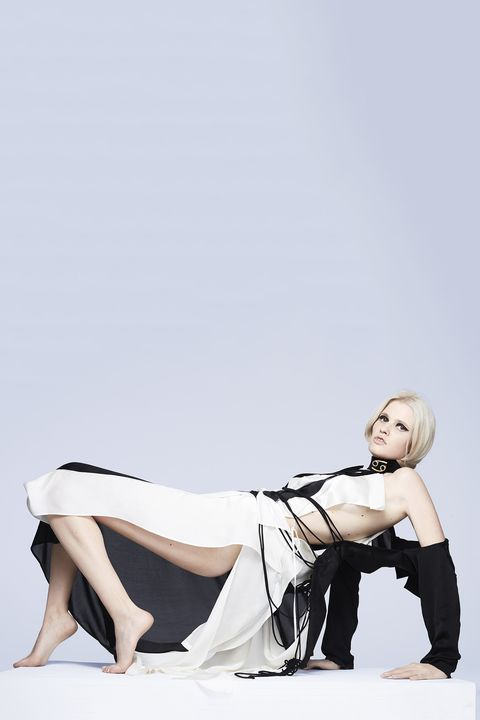 White, Leg, Shoulder, Beauty, Joint, Sitting, Human leg, Arm, Thigh, Photography,