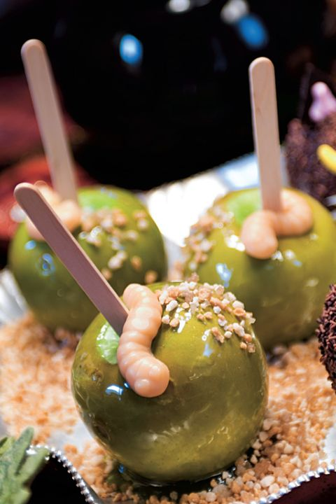 candy apples with gummy worms