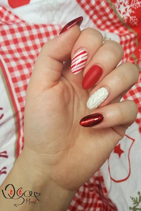 45 Festive Christmas Nail Art Ideas