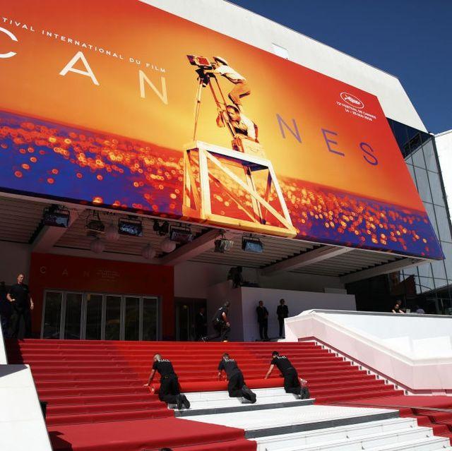 Product, Architecture, Building, Auditorium, Stage, Advertising, Leisure, Stadium,