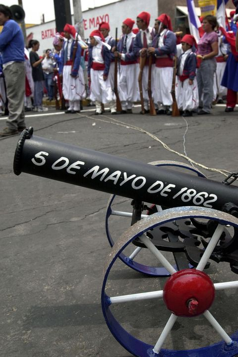 Mexicans Celebrate Cinco de Mayo with Reenactments