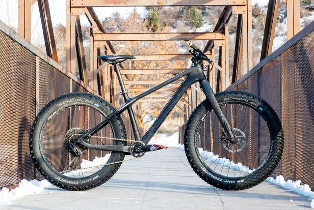 bicycle wheel, bicycle, vehicle, bicycle part, bicycle tire, bicycle frame, spoke, bicycle fork, mountain bike, tire,