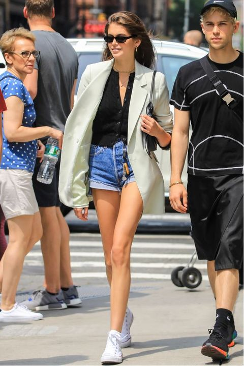 Street fashion, Clothing, Fashion, Sunglasses, Shorts, Footwear, Eyewear, Snapshot, Leg, Human leg,