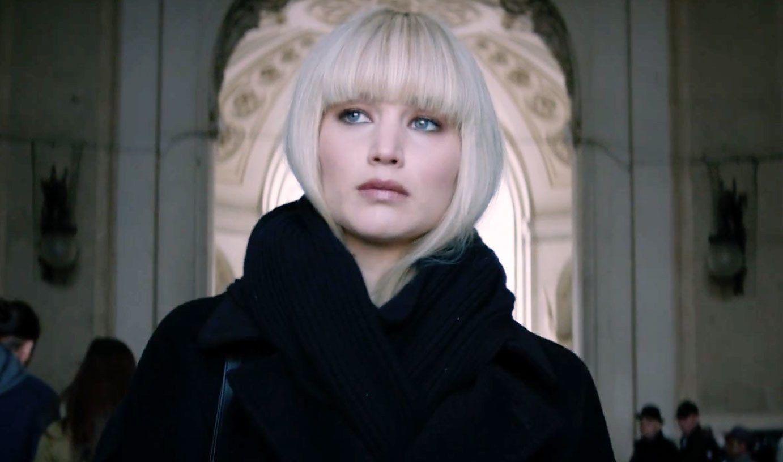 Tinta capelli biondo platino di Jennifer Lawrence 41b06c0fa64b