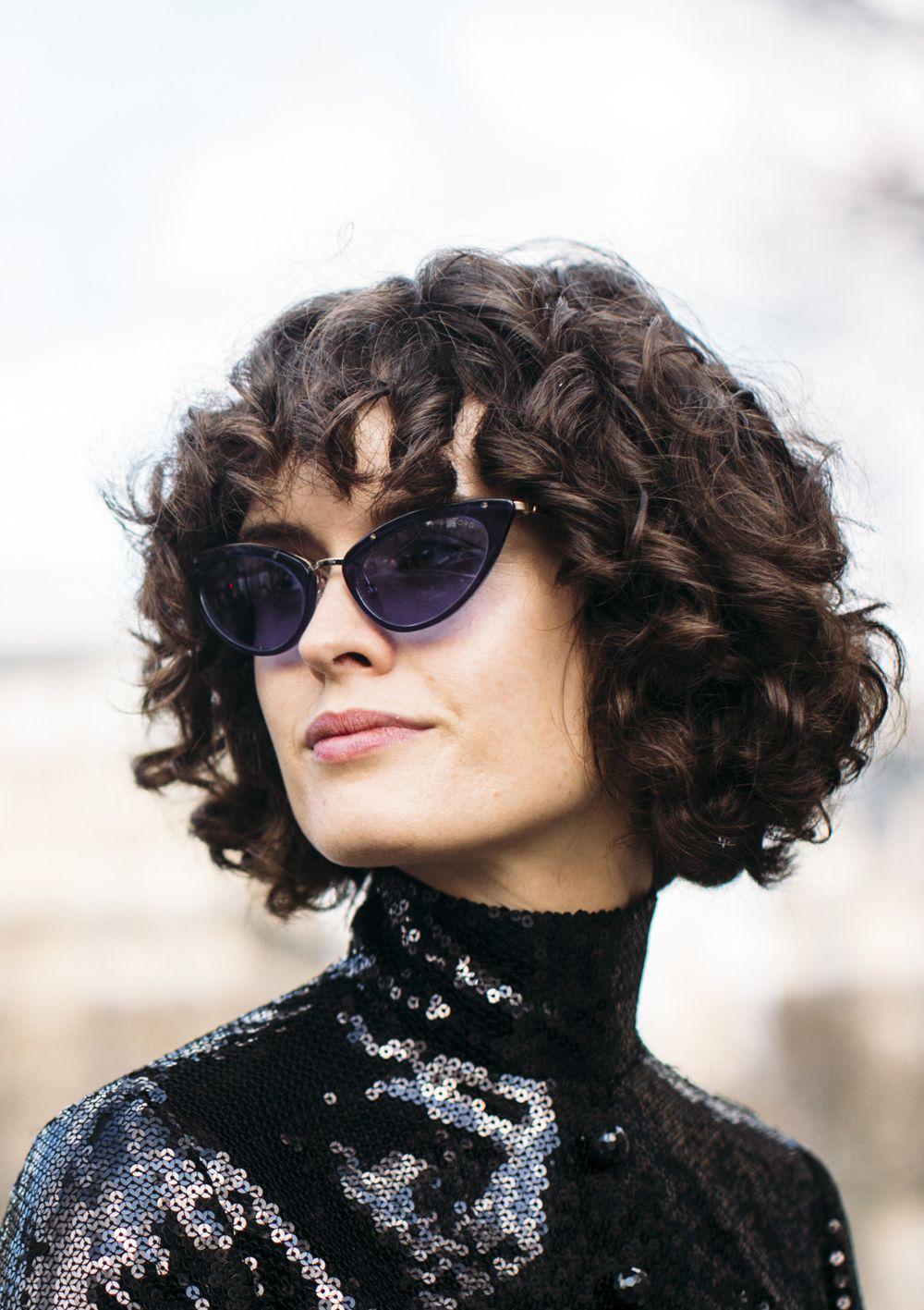 Tagli capelli 2019 donne medi mossi
