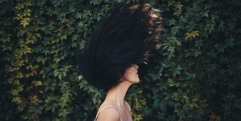 Come avere capelli sani e forti  i rimedi più efficaci per l estate b4a9560f2910