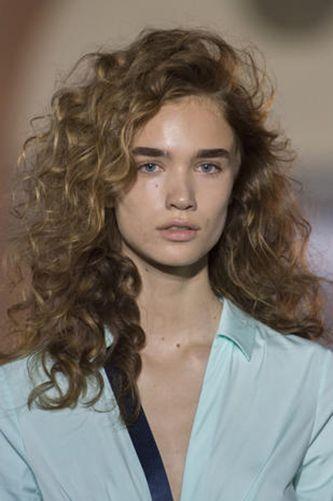 Taglio capelli medio lunghi ragazza