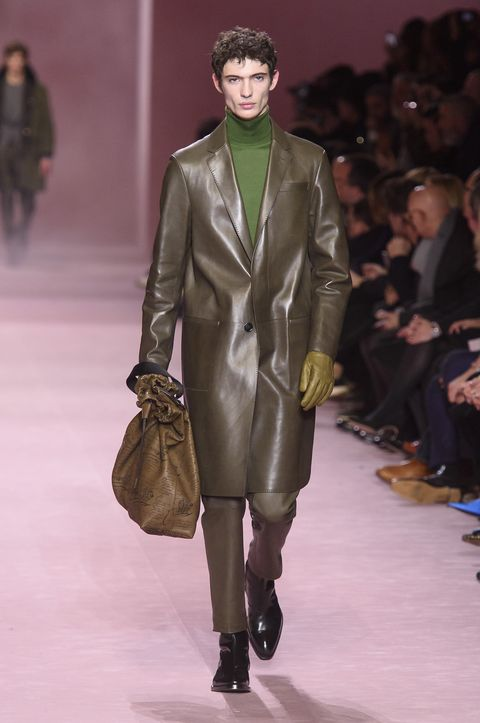 Fashion model, Fashion, Fashion show, Runway, Clothing, Human, Outerwear, Coat, Public event, Overcoat,