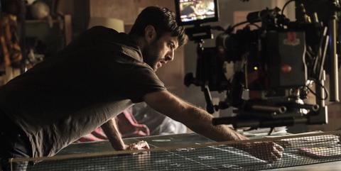 Javier Rey durante el rodaje en Vitoria de 'El silencio de la ciudad blanca'