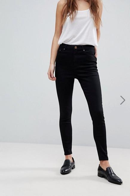Clothing, White, Waist, Black, Jeans, Shoulder, Leg, Neck, Fashion, Abdomen,