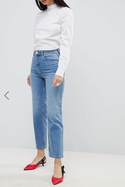 Clothing, Denim, Jeans, White, Waist, Blue, Shoulder, Neck, Pocket, Standing,