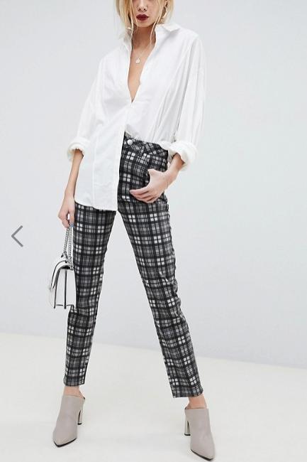 Clothing, Plaid, Tartan, White, Pattern, Shoulder, Waist, Design, Trousers, Neck,