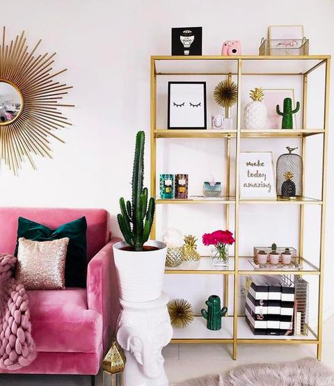 salón, decoración dorada