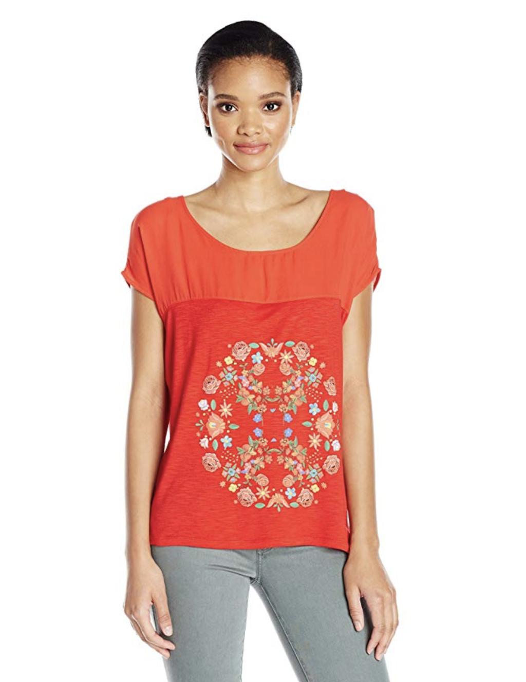 Camiseta manga corta y roja de Desigual