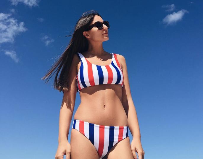 b1bf39bf5d56 8 bikinis de rayas para lucir más estilizada en la playa