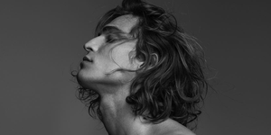 melena cabello pelo largo crecer verano hombre