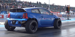 Volkswagen Lupo bimotor drag race