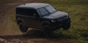 Land Rover Defender en 007 'No time to die'