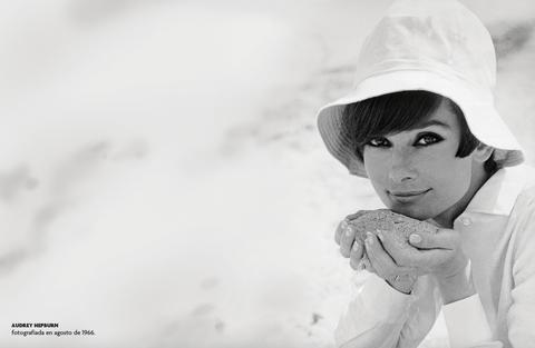 Audrey Hepburn en el Calendario Fotogramas 2020