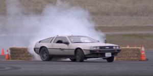 DeLorean autónomo drift
