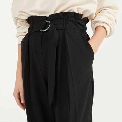 El Pantalon De Vestir De Bershka Que Mejor Sienta Y Solo Pueden Llevar Las Mujeres Bajitas