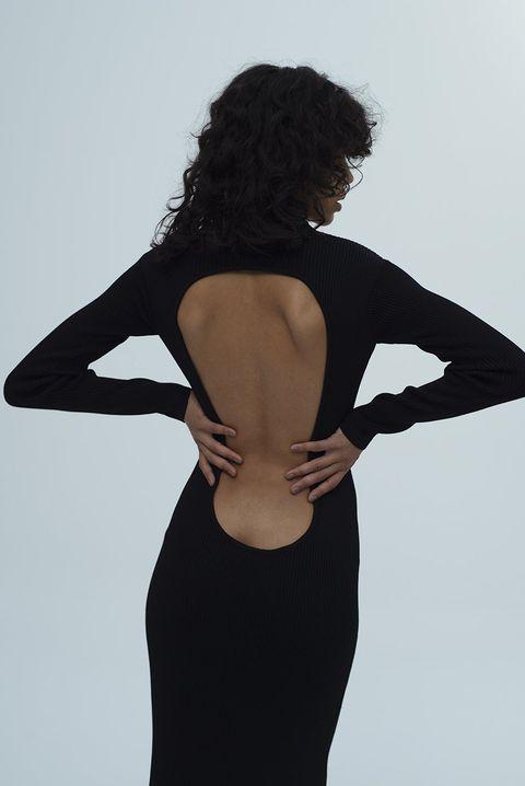 abito scollato sulla schiena