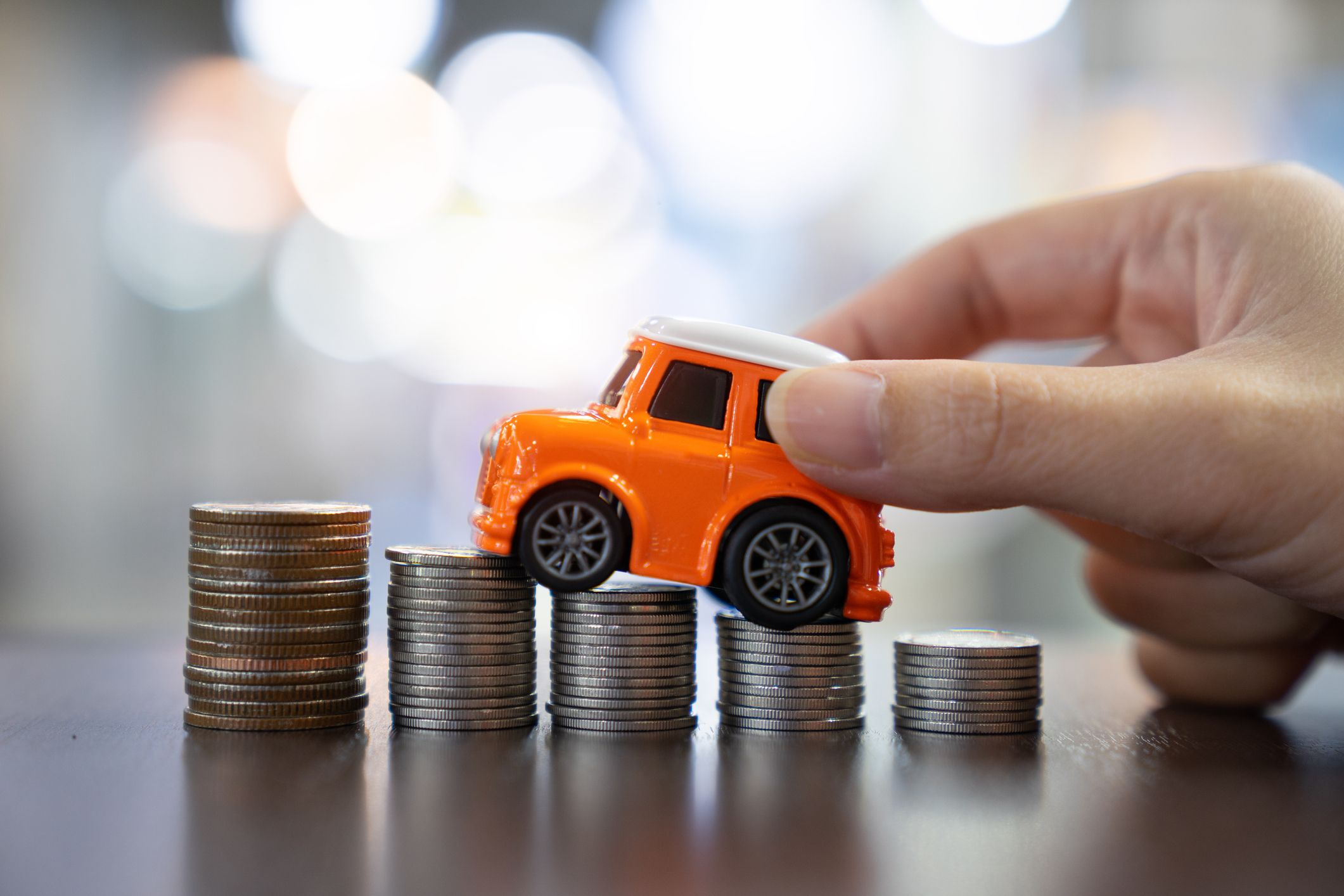 Options to Save Up On a Car Insurance Policy If You Are A 20-Year-Old Driver