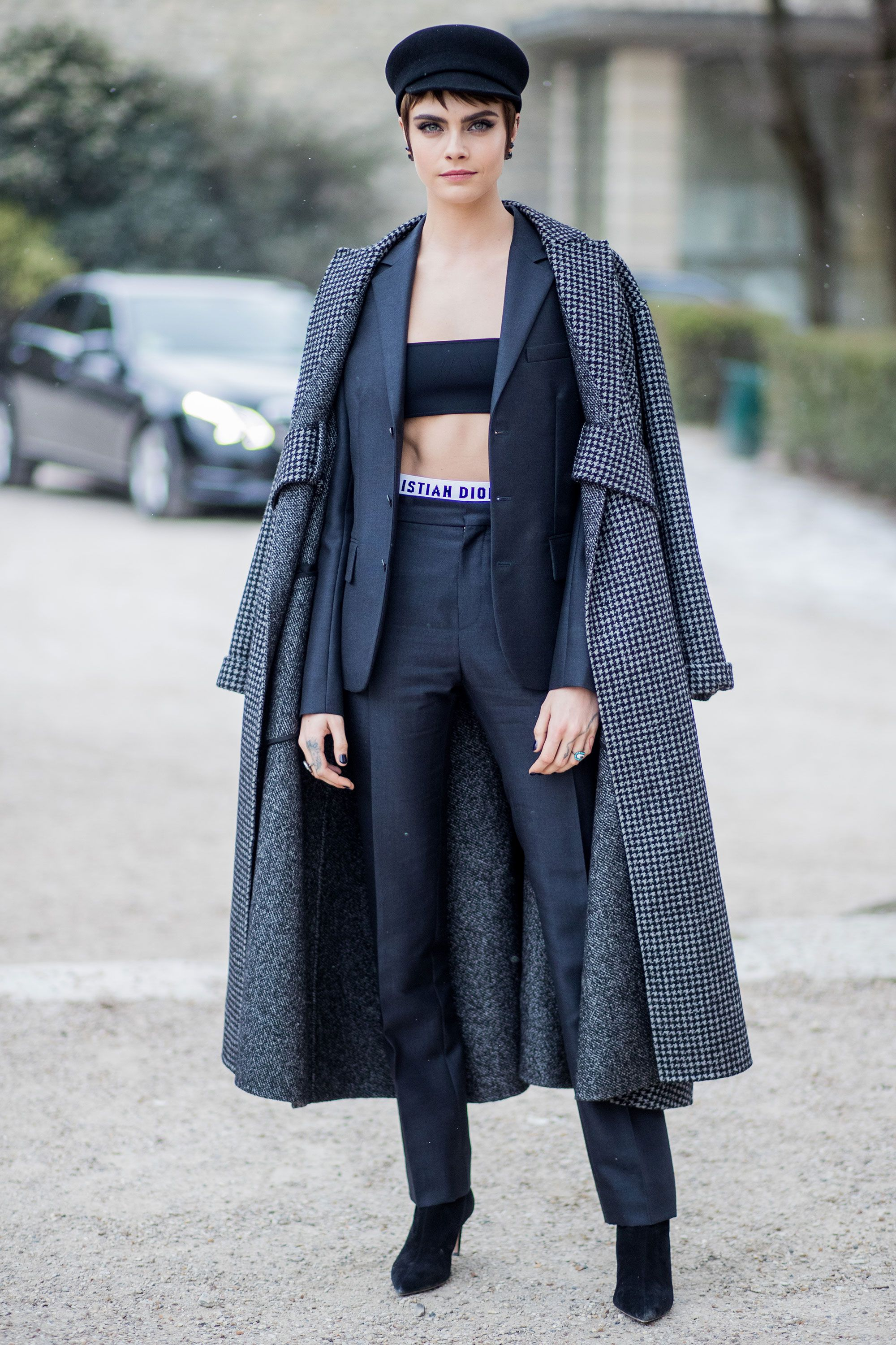 650d5597768d Winter style inspiration from the A-list – Celebrity style inspiration in  winter