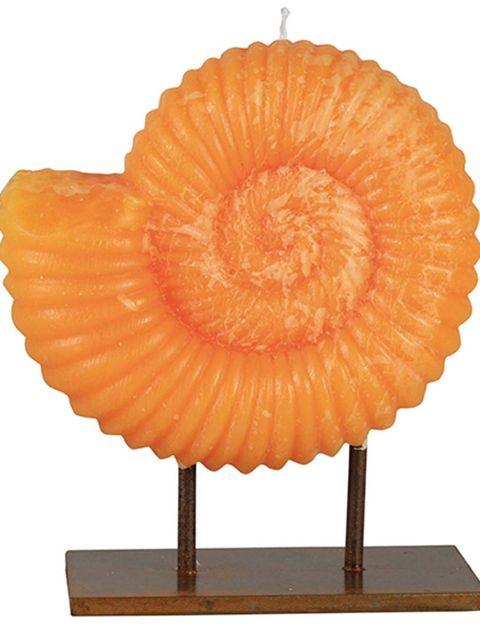 Vela escultórica Ammon es de la firma Cerabella