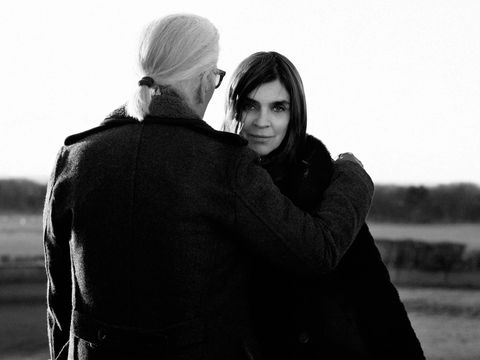 Black, Photograph, White, Black-and-white, Monochrome photography, Monochrome, Photography, Standing, Sky, Human,