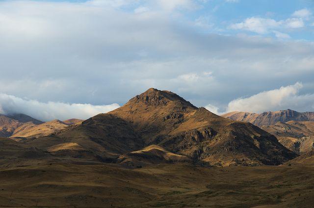 carla serena, la prima europea a esplorare il caucaso