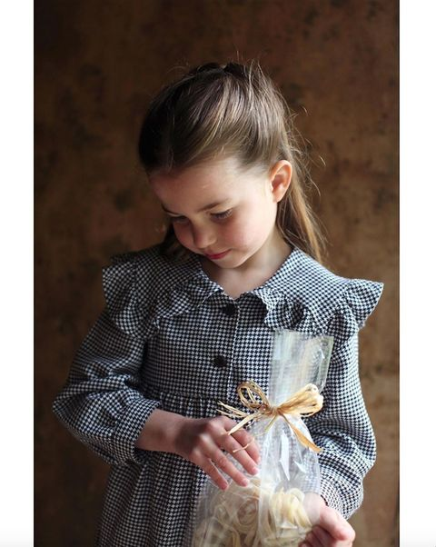 Child, Toddler, Textile, Tartan, Pattern, Child model, Play, Plaid,